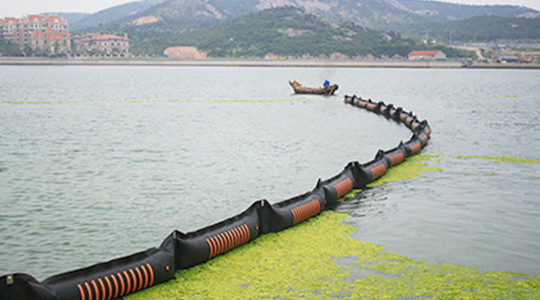 July 2008, participated in the algae control operations at the sea area of Qingdao.