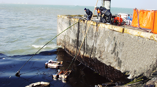 In 2013, Huahai participated in the treatment of crude oil after the explosion of Huangdao pipeline.