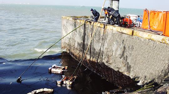11·22青岛黄岛输油管爆炸事件应急抢险