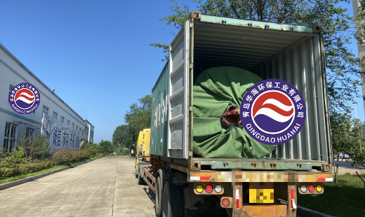 美国客户下单的书脊式橡胶坝准备发货
