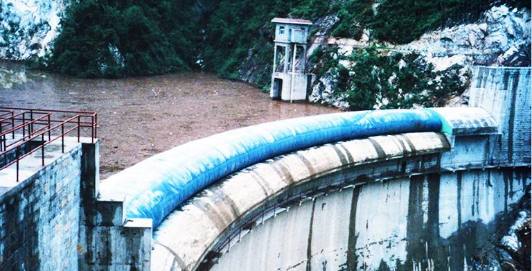 弧形橡胶坝