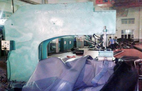 坝头搭缝硫化机